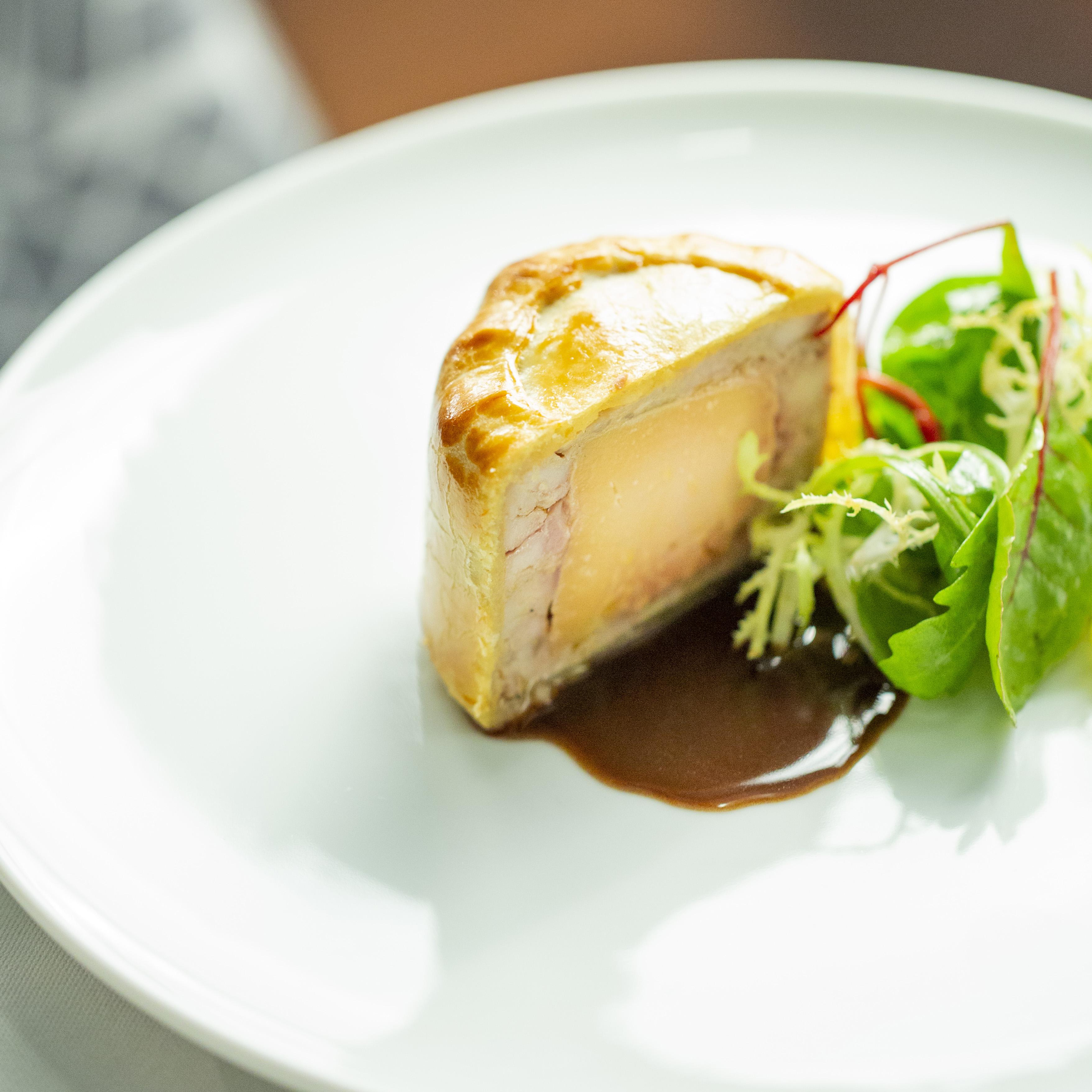 Petit pâté chaud de pintade et foie gras©pmonetta 8423 low res