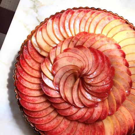 White peach custard tart