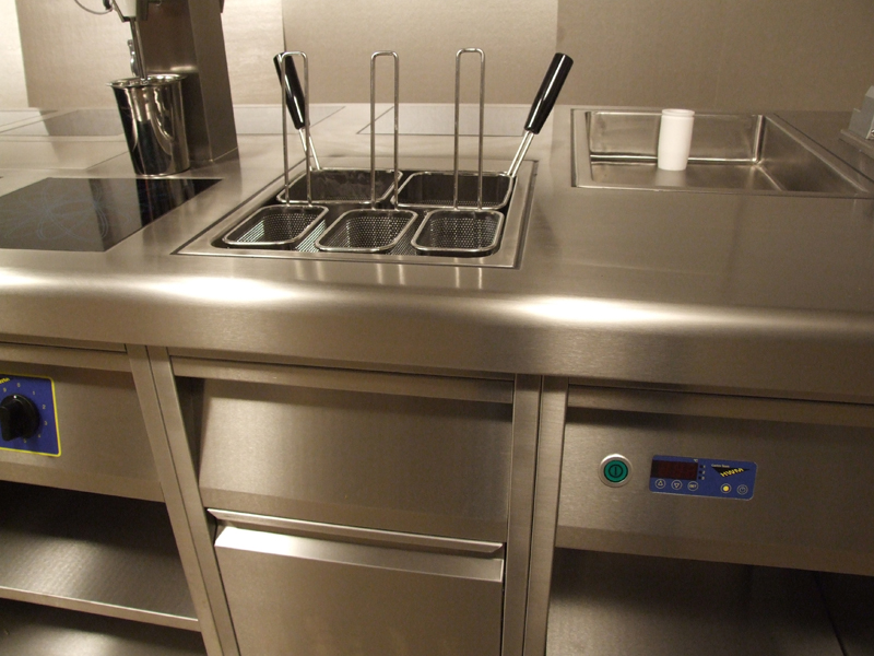 2 3rd gn Pasta Cooker with storage Drawers 1 low res