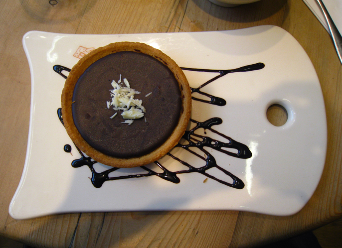 Espresso chocolate tart with cholocate sauce