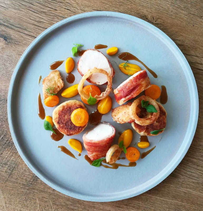 Streaky bacon wrapped chicken breast, leek & potato cakes, lemon thyme carrots, onion rings by chef Onik Minasian, chefs to follow on Instagram, food pics, social media, The Staff Canteen, Instagram Top Ten