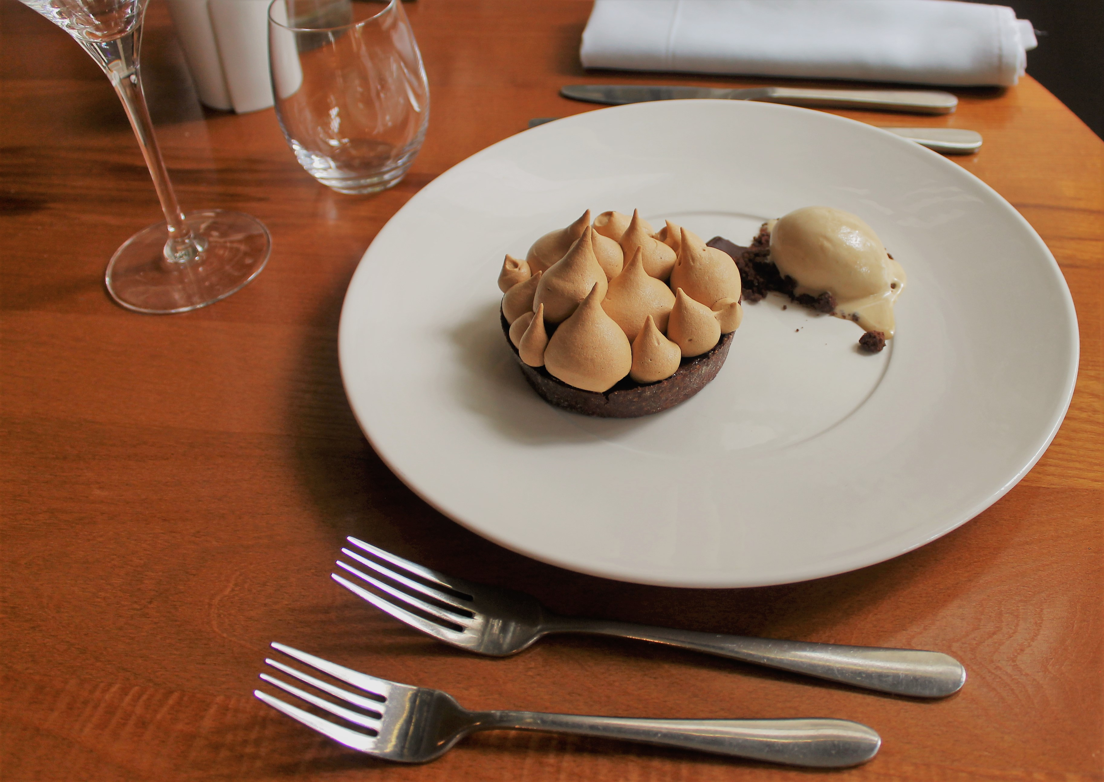 https://www.thestaffcanteen.com/public/js/tinymce/plugins/moxiemanager/data/files/Mocha Meringue Pie in The Arbor Restaurant   Copy.JPG