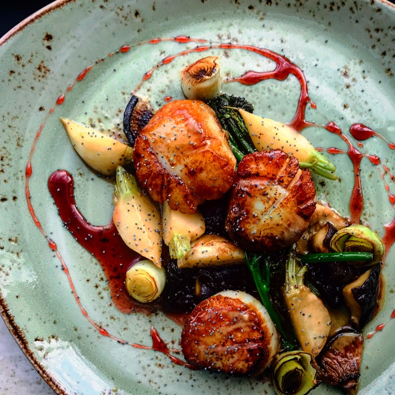 Scallops, sauté veg and citrus red wine glaze by chef Alexander Quintero, chefs to follow on Instagram, food pic