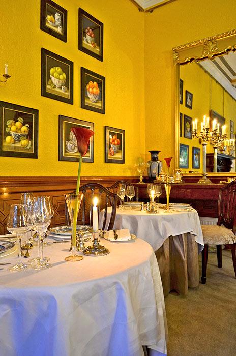 robertson dining room